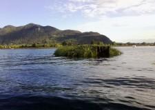 Riserva delle Torbiere: stop ai capanni galleggianti sul lago d'Iseo. Lo dice una direttiva.