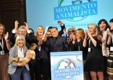 Forza Italia e la svolta animalista, ma il barboncino non ci sta e si dissocia dall'ex Cavaliere.