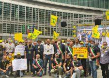 #bastacinghiali – manifestazione Coldiretti a Milano